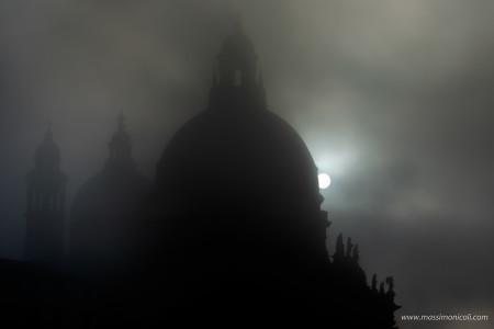 Sempre magica ....... nebbia a Venezia - Always magical ........fog in Venice